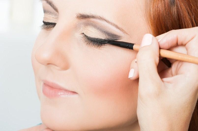 dicas para usar lapis preto nos olhos